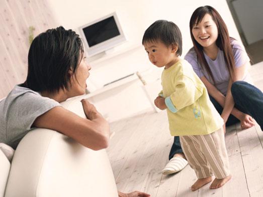 夫婦と3歳の子供