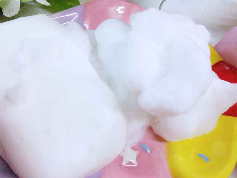 ふわふわな泡がついてる固形石鹸