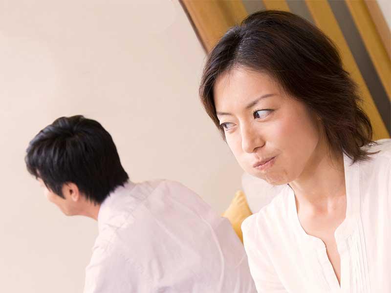 喧嘩の末離婚を決意した女性