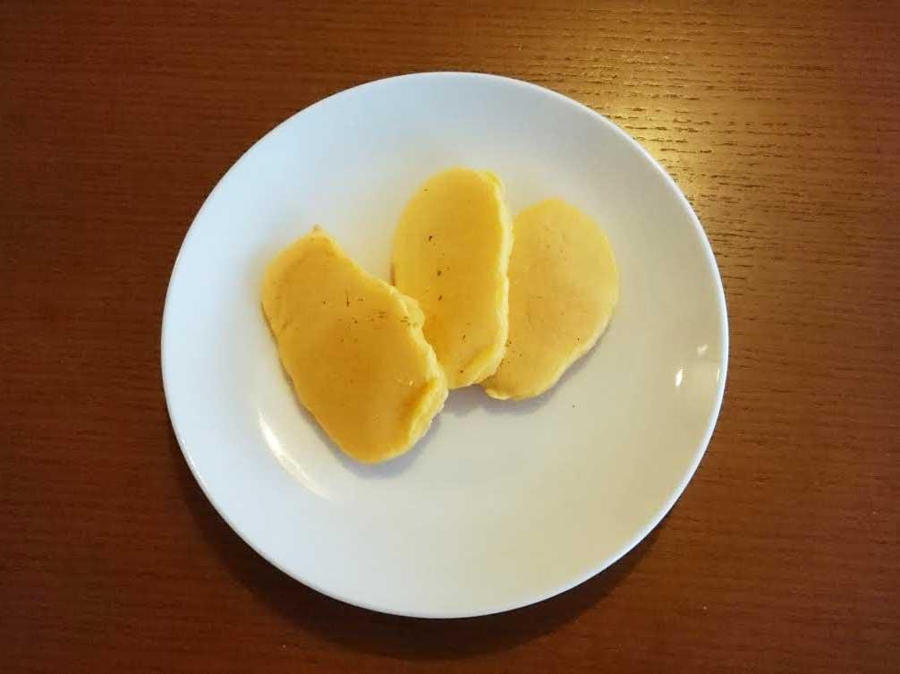 手作りのにんじんパンケーキ