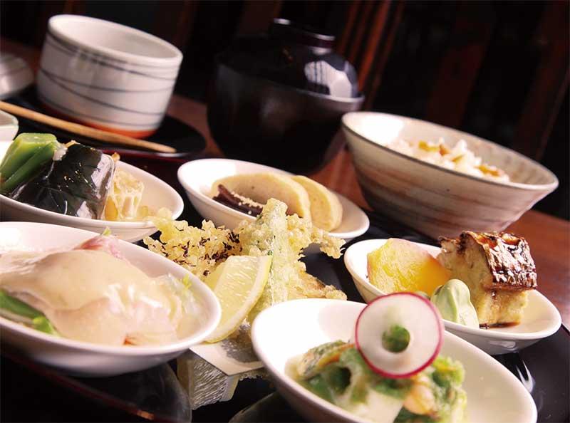 和食中心の食事