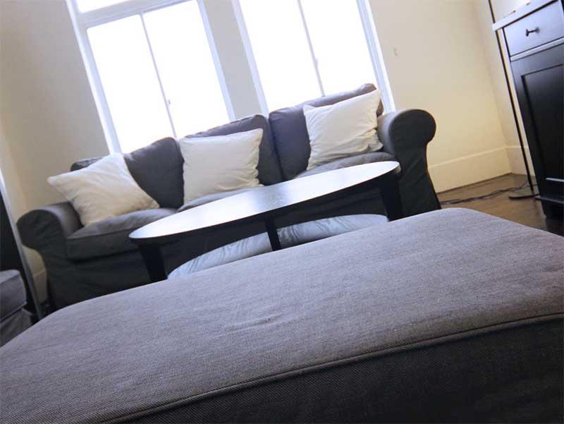 ハウスダストの多いカーペット敷きの居間