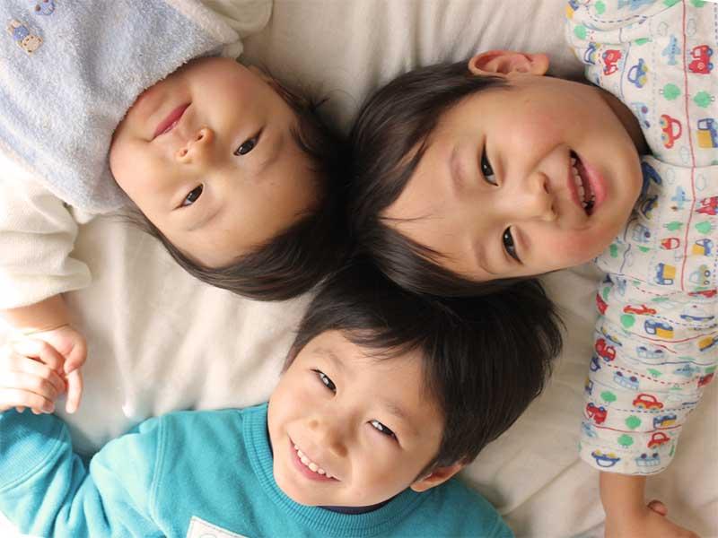 年子の3兄弟赤ちゃん