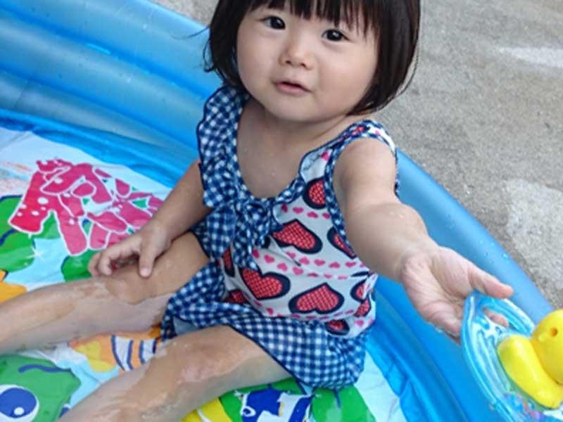 水着を着ている女の子