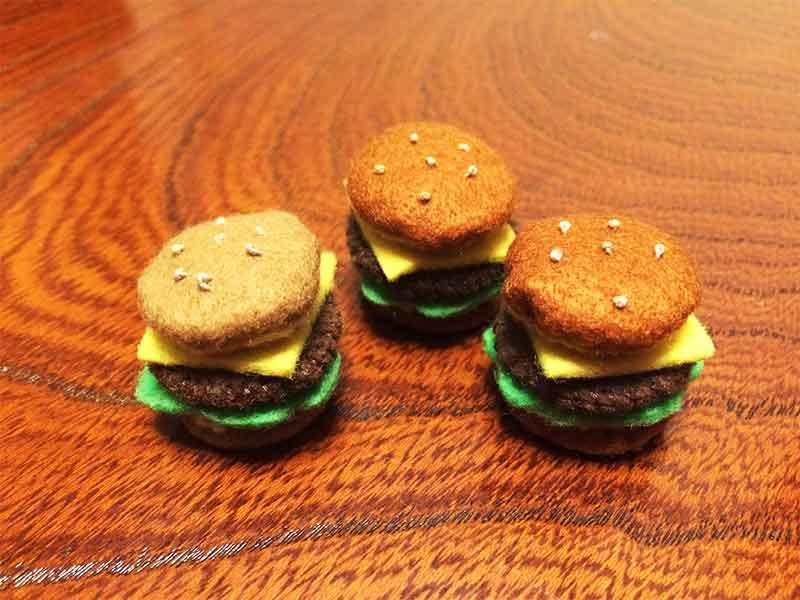 フェルトでできたハンバーガー