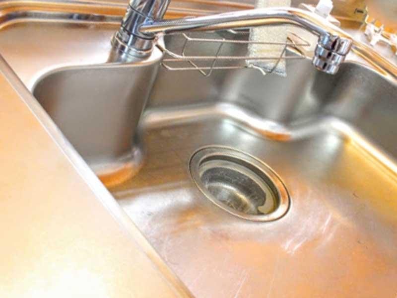 掃除されたキッチンの水周り
