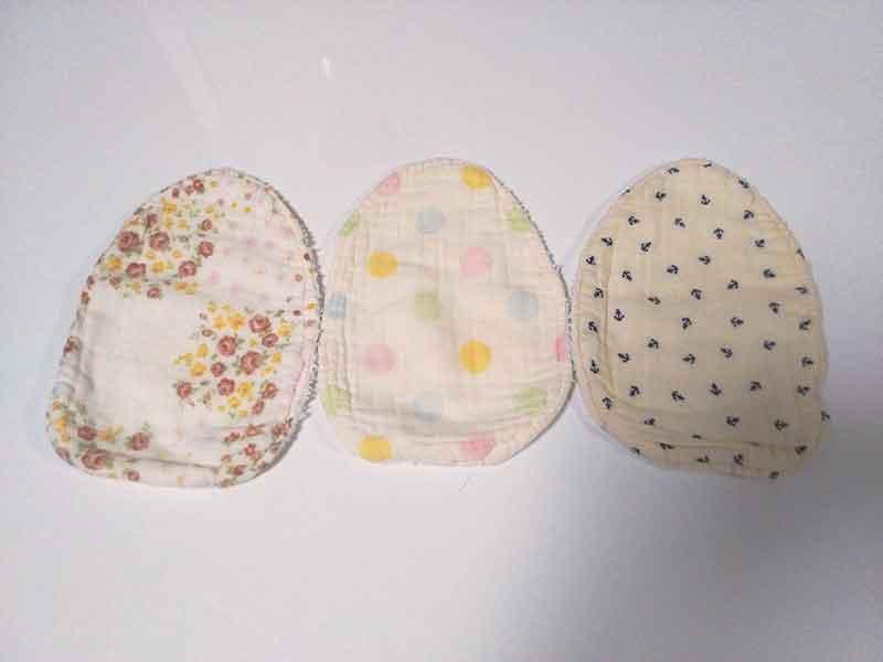 授乳用の卵型スタイ