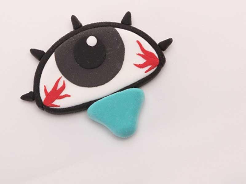 充血する目のサンプル