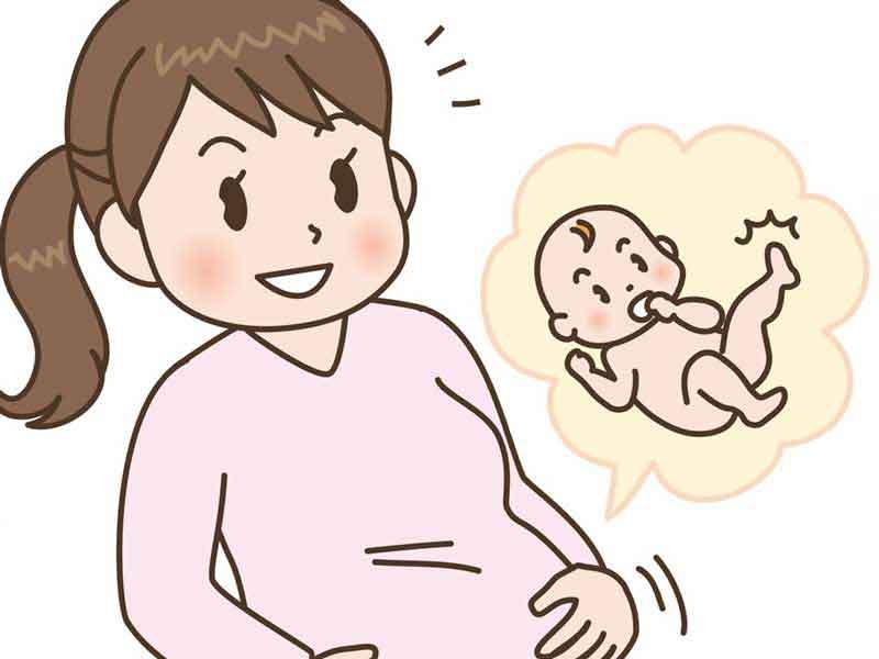 お腹の中にいる赤ちゃんが蹴っている様に感じるお母さん
