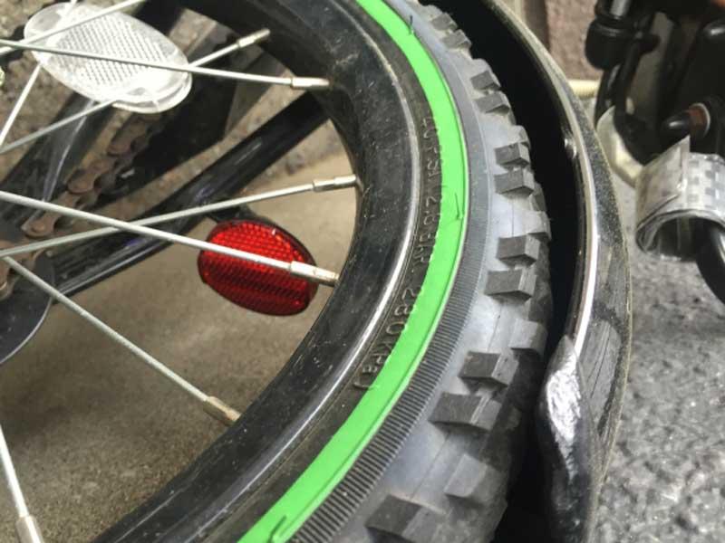 子供自転車のタイヤ