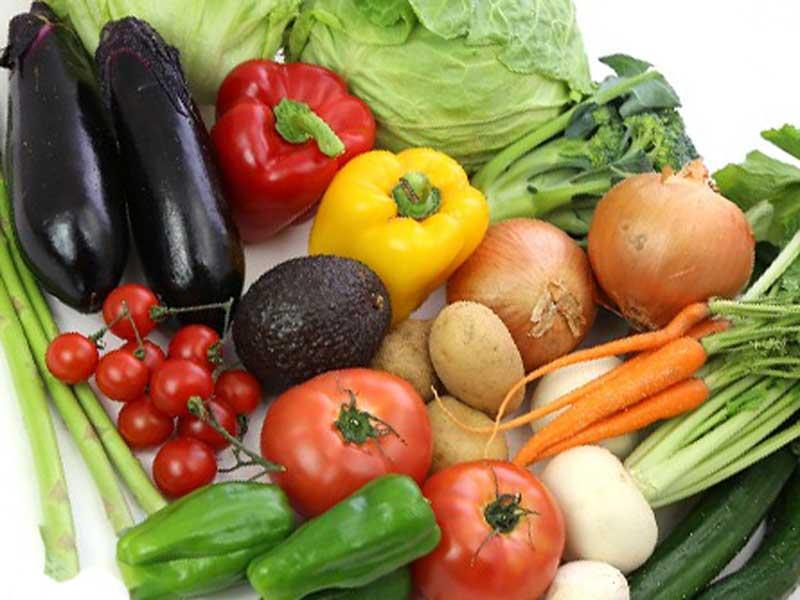 ジャガイモ、緑黄色野菜など