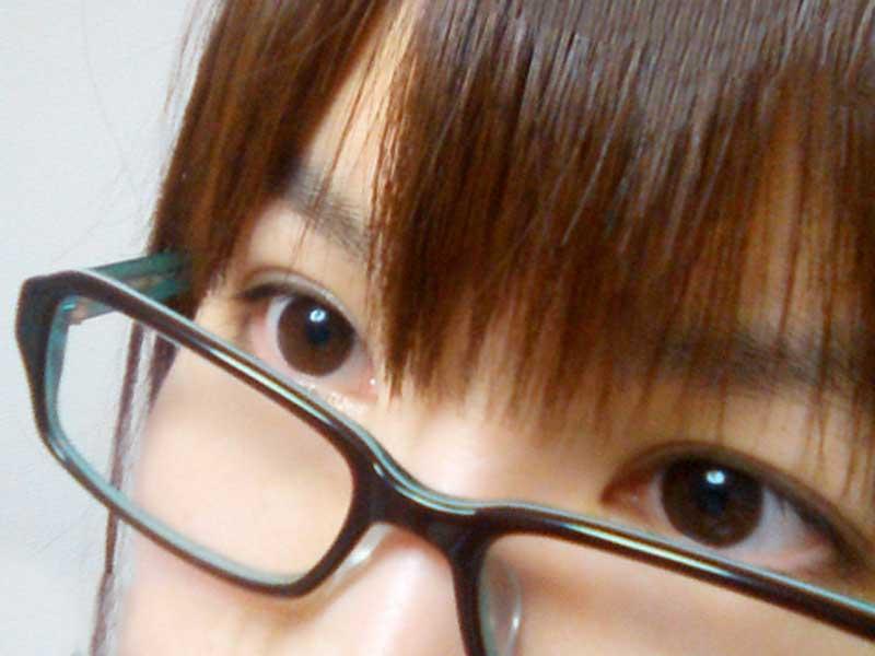 メガネを掛ける女の子