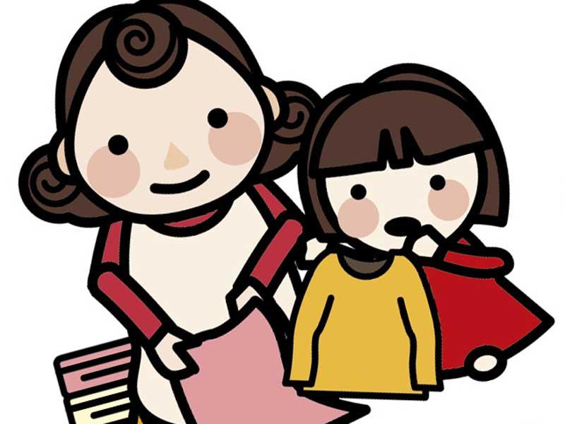 お母さんが洗濯物を畳むのを手伝っている女の子のイラスト