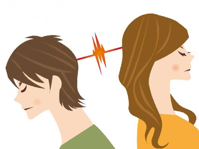 喧嘩してお互い無視をしている夫婦のイラスト