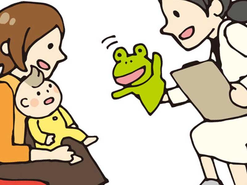病院で診察をうける赤ちゃんとお母さんのイラスト