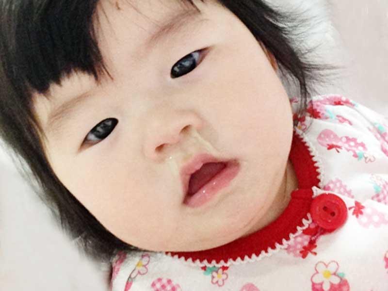 鼻水が流れている赤ちゃん