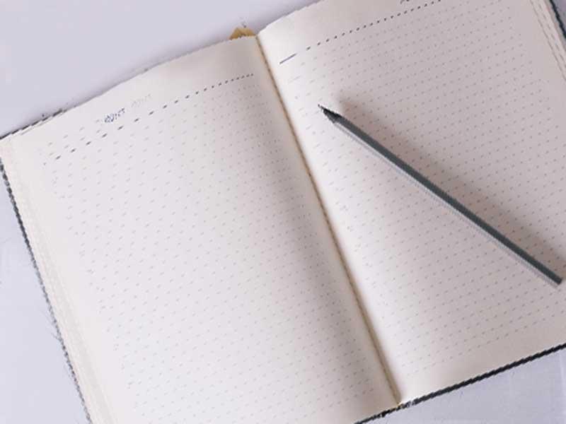 体温記録用メモ帳とペン