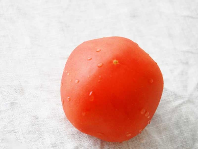 トマト一個