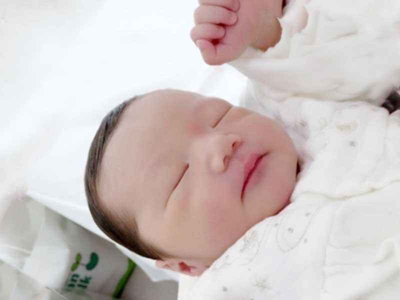 無事出産した赤ちゃん