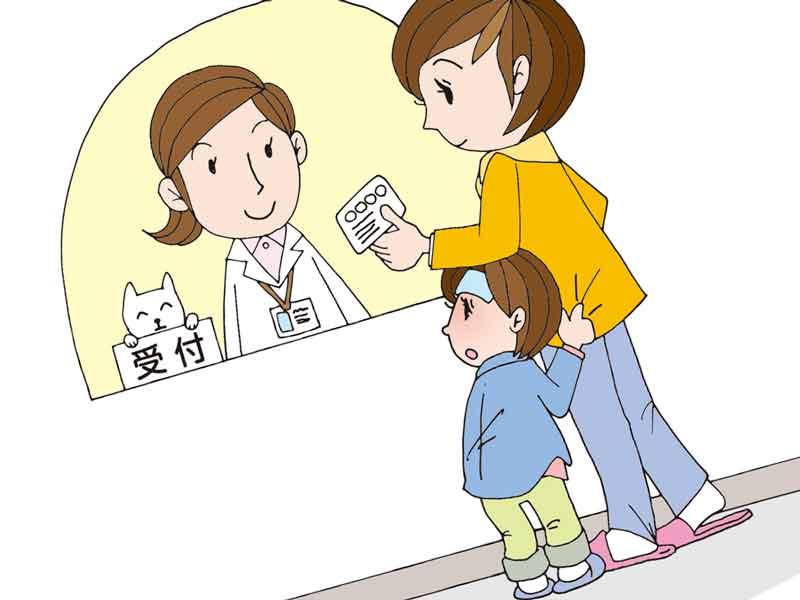 子供を連れて病院の受付にいるお母さんのイラスト