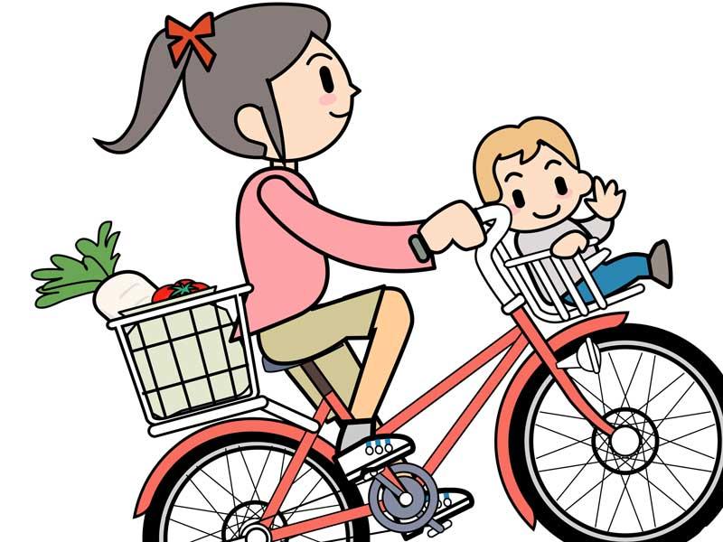 こどもを自転車の前に乗せているお母さんのイラスト