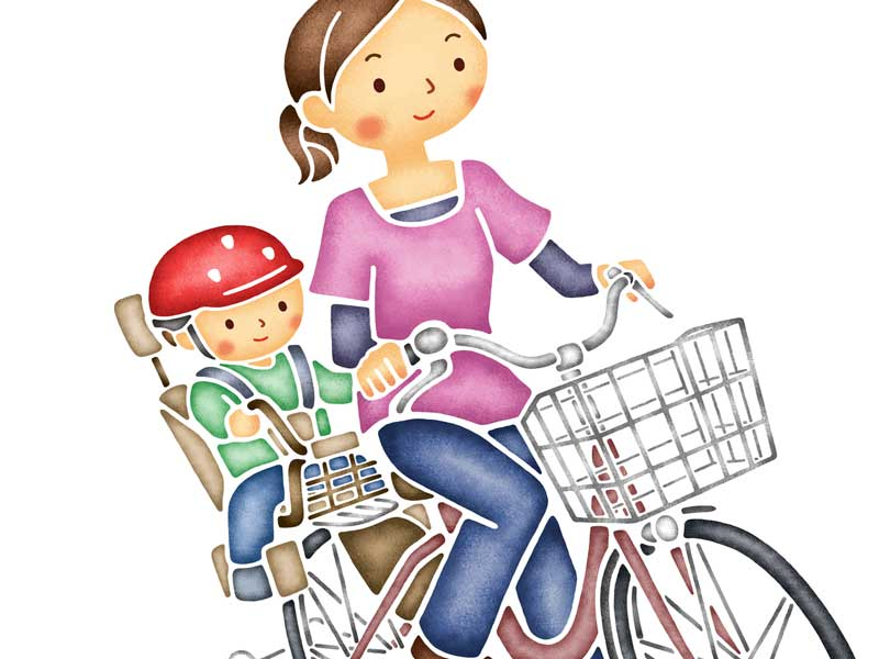こどもを自転車の後ろに乗せているお母さんのイラスト