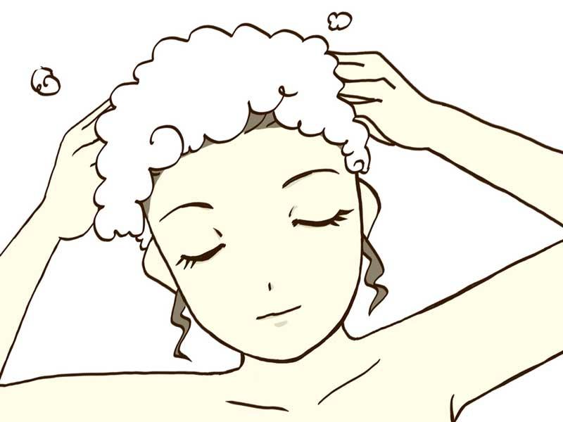 目を閉じって頭を洗うお母さんのイラスト