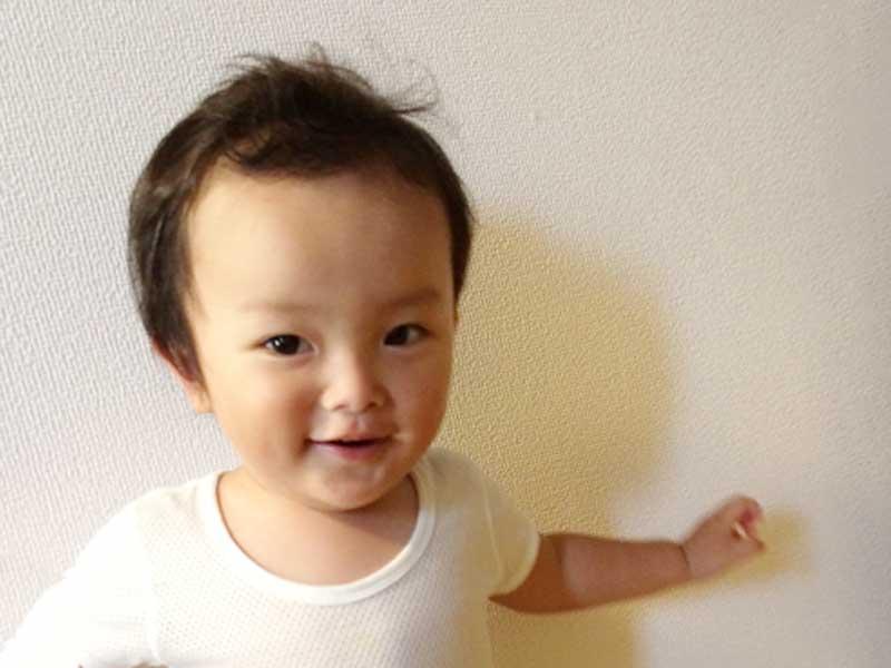 可愛い1歳の赤ちゃん
