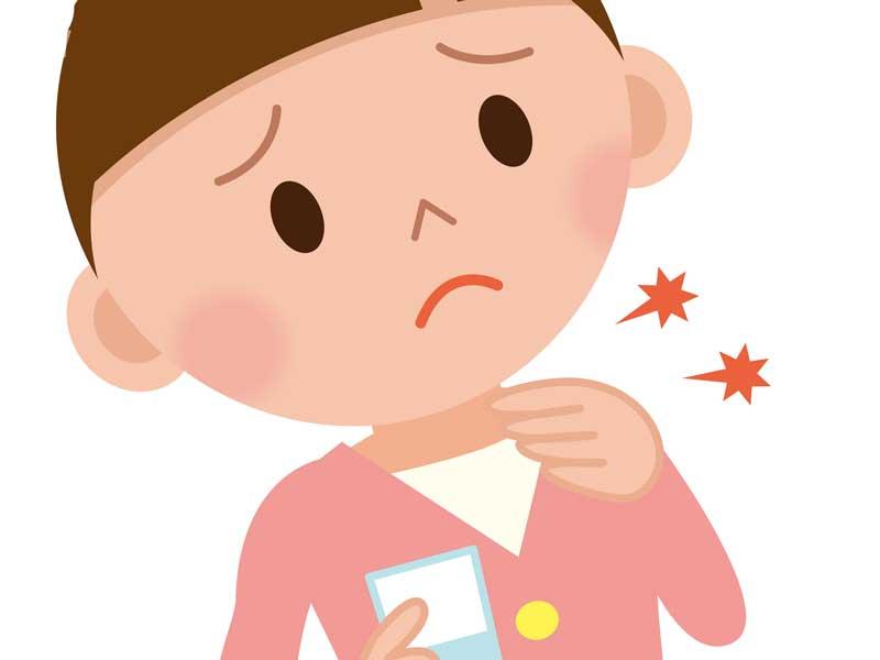 扁桃腺炎で喉を触っている子供のイラスト