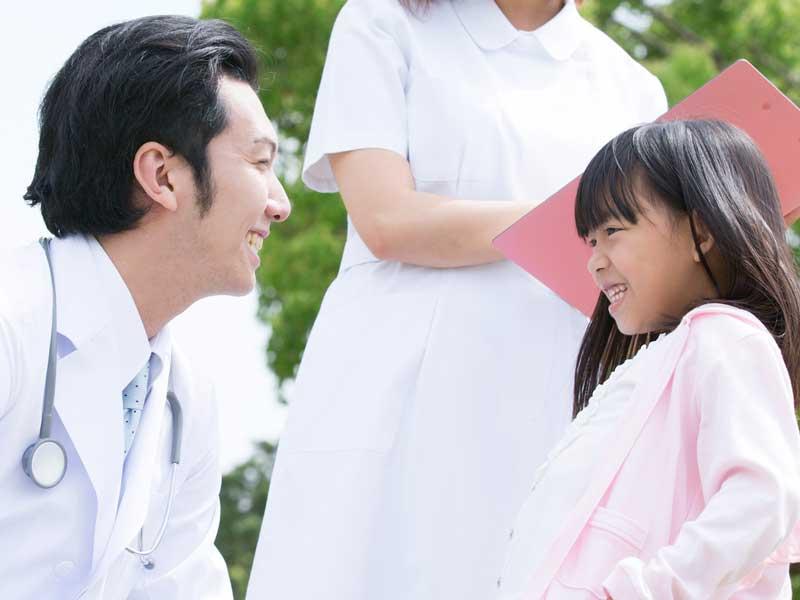 子供と医師