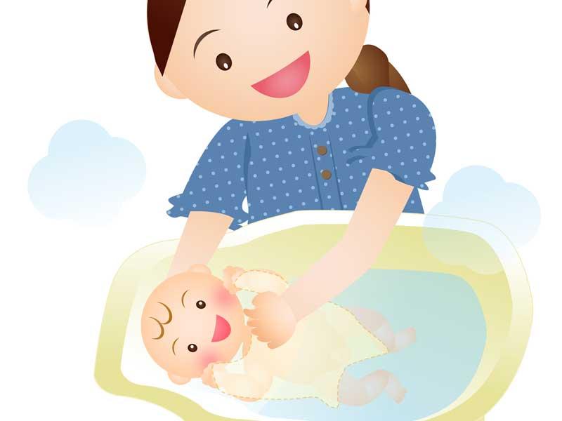 ママに沐浴をしてもらう赤ちゃんのイラスト