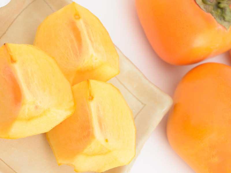 乾燥肌を改善する柿
