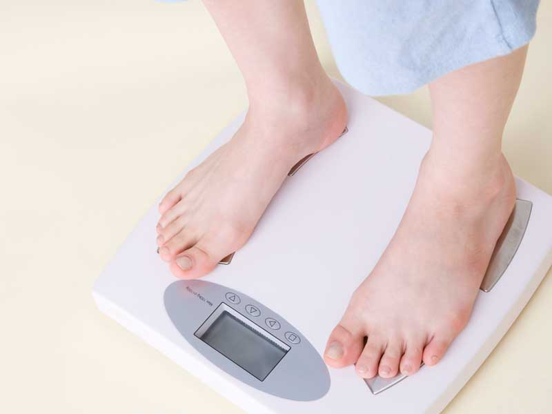 体重を気にする妊婦さん