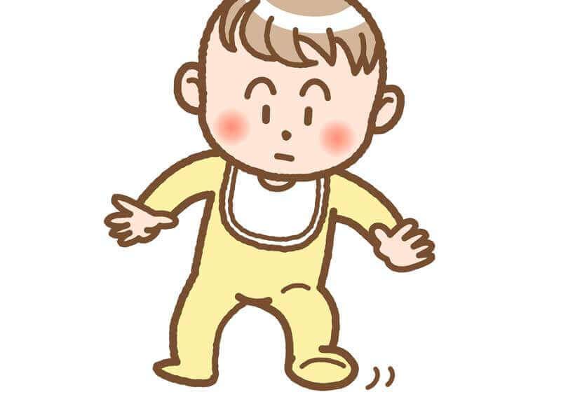 よろよろ歩いている赤ちゃんのイラスト