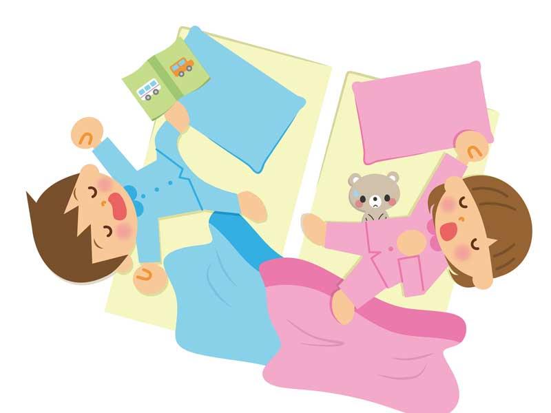 寝相が悪い子供達のイラスト