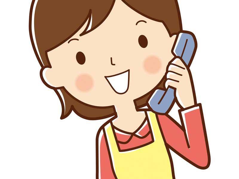 電話をかけるお母さんのイラスト