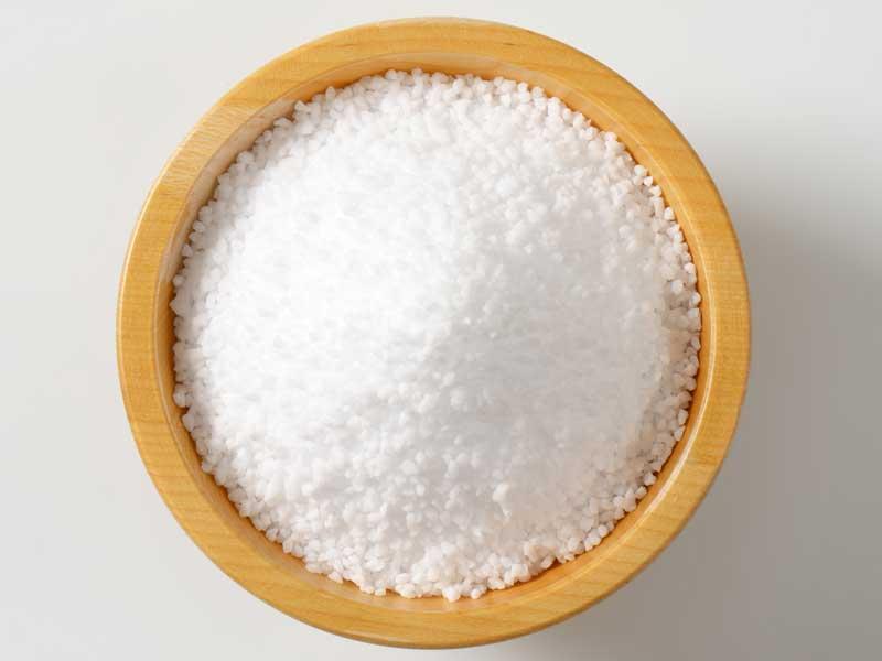 皿に入っている塩