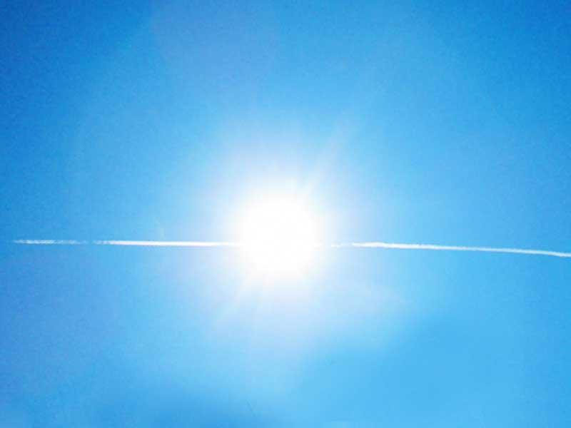 晴れた日の青空