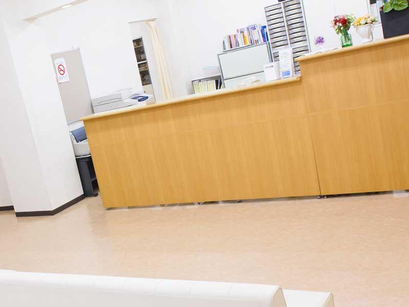 病院の受付