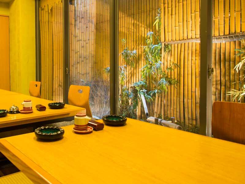 日本料理店の個室