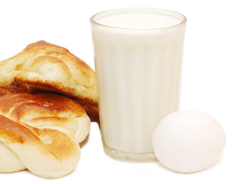 アレルギー物質の牛乳と卵とパン