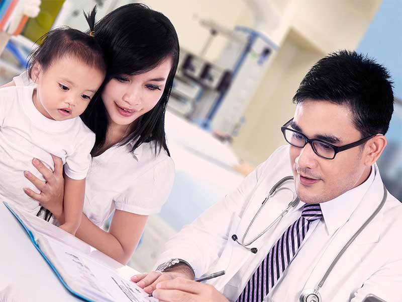 予防接種に来た1歳の赤ちゃん