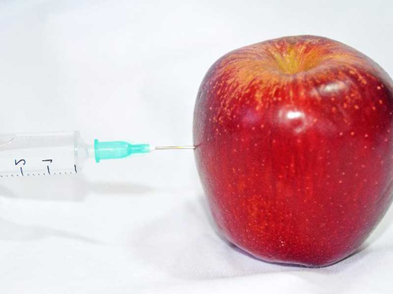 りんごと注射器