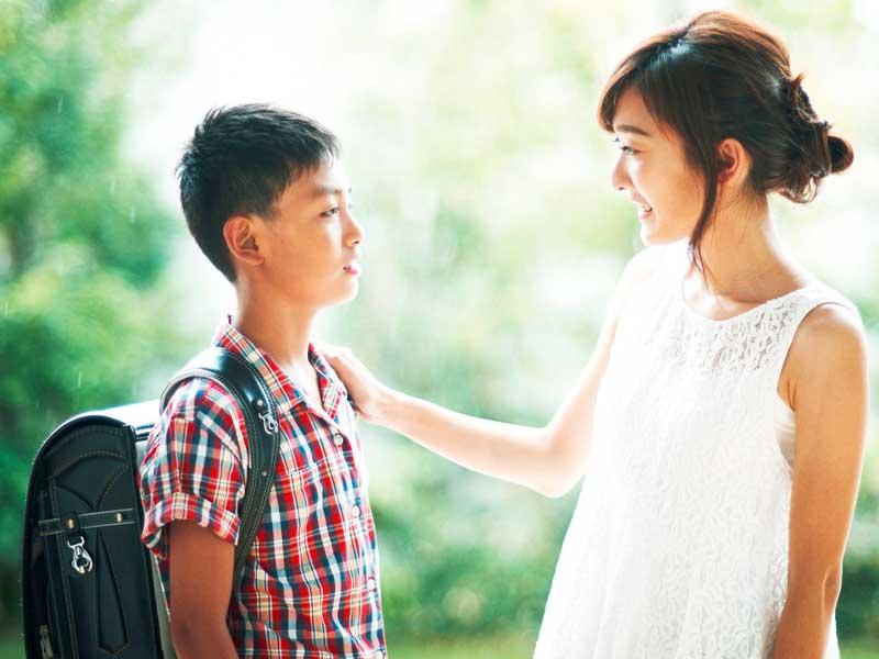 少年とお母さん