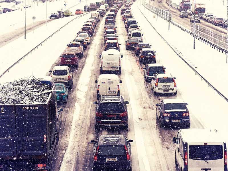 冬道の渋滞
