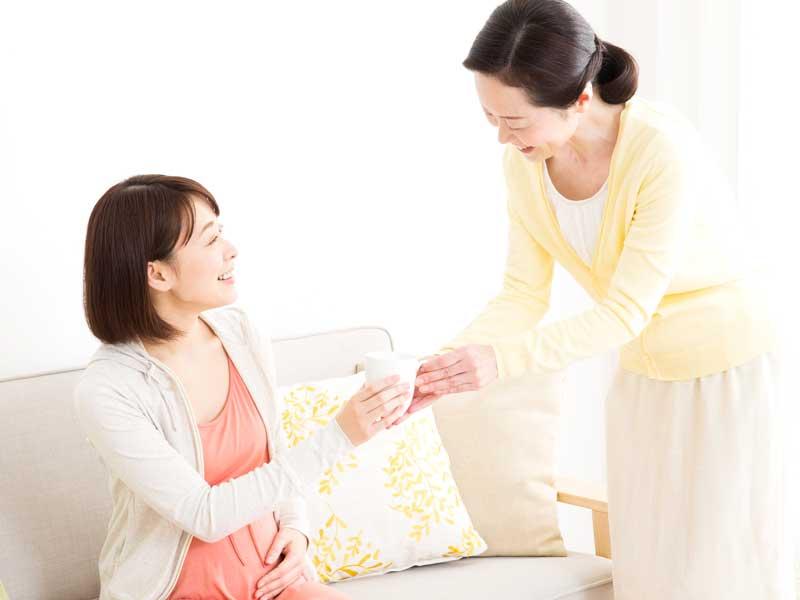 妊婦さんと母親