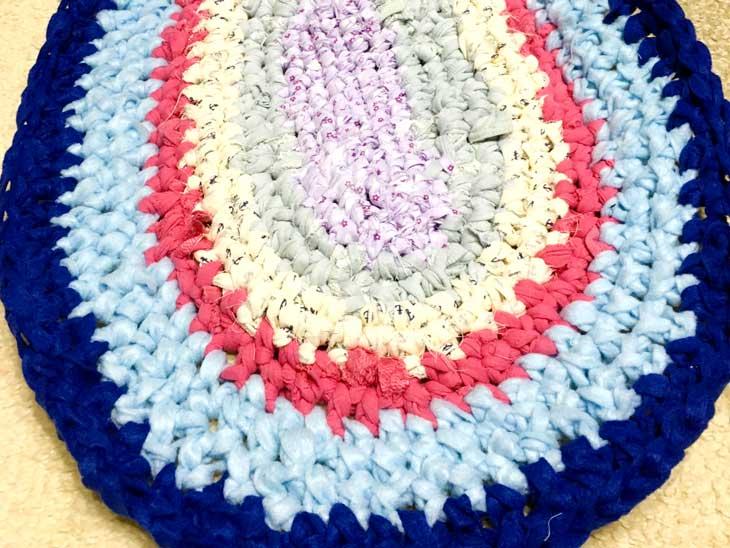 裂き編みで作ったプレイマット