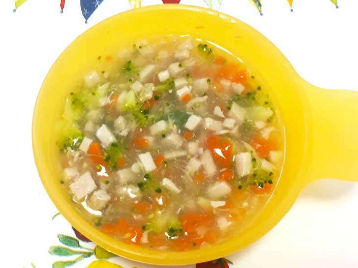離乳食のまぐろと野菜のスープ