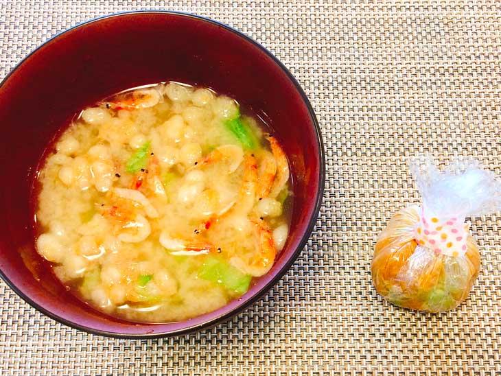サクラエビとキャベツの生姜味噌汁