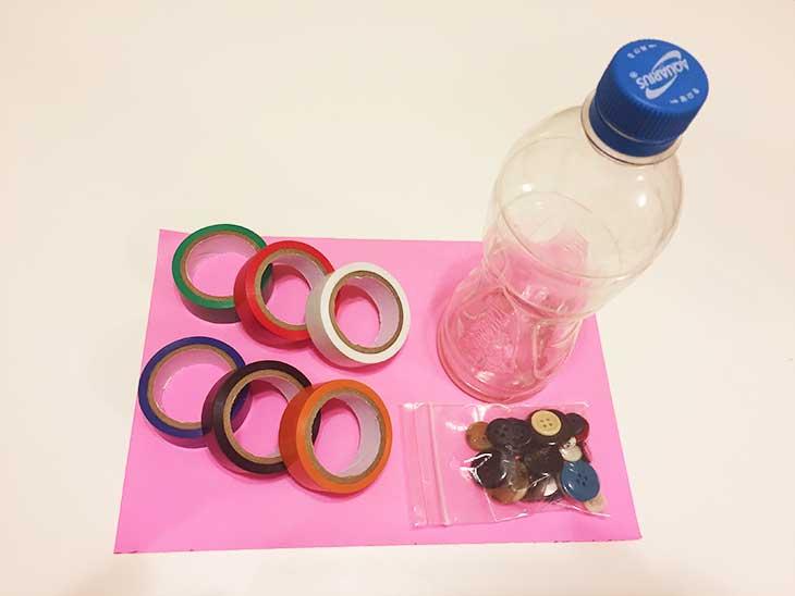 ペットボトルで作るガラガラの材料